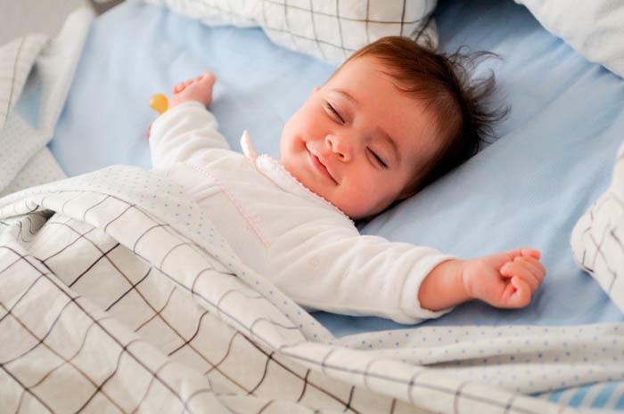 Как приучить ребенка к дневному сну
